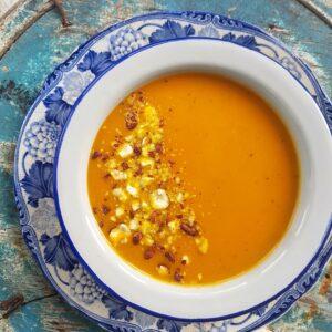 Zupa dyniowa z orzechami - przepis